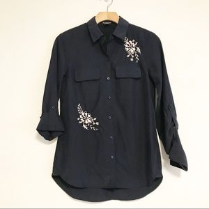 Express The City Shirt navy with floral embroidery